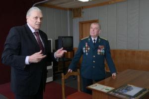 Президент ПАО ГАЗ Пугин А.Н. с председателем ветеранов Пограничной службы Вавиловым А.П.