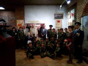 Воспитанники пограничного класса с ветеранами пограничной службы