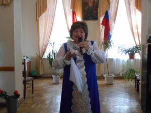 Исполнение песни Вдовы России солисткой ансамбля Волжанка